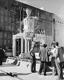 220px-Bradbury_in_front_of_Kiwi_B4-A_reactor_N6211910